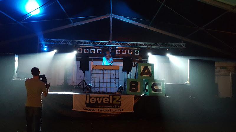 Xower licht & geluid jongerencentrum feest
